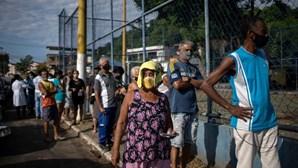 Brasil regista 2012 mortos e mais de 79 mil casos de Covid-19 em 24 horas