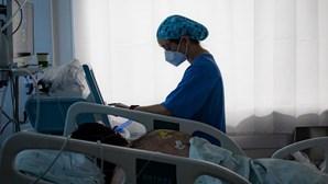 Algarve admite que profissionais de saúde podem ter de sacrificar férias devido ao combate à pandemia de Covid-19