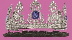 Tiara de D. Maria II vale milhares de euros em leilão