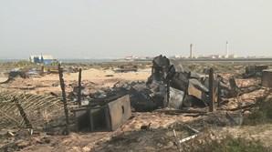 Destruição é bem visível esta quarta-feira de manhã, horas após o incêndio