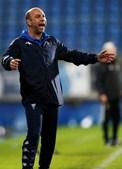 Bruno Pinheiro diz que o Estoril tentará jogar mais do que o Benfica