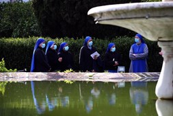Monjas visitaram Cartuxa de Évora mas primeiro viram nova 'casa' na Internet