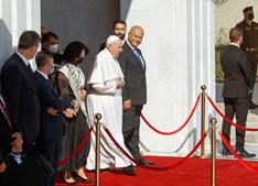 Papa Francisco deixa o Iraque após visita de três dias ao país