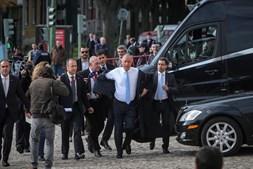 Caminhada na rua antes da tomada de posse a 9 de março de 2016 surpreendeu a segurança