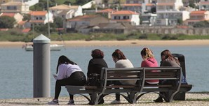 Portimão: vontade de voltar ao contacto com o rio era tão grande que muitos esqueceram o distanciamento social