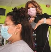 Quarteira: Ana Mestre, proprietária do salão de cabeleireiro anicarmo, recebeu muitos clientes