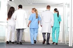 Médicos e enfermeiros são as principais vítimas de violência na saúde