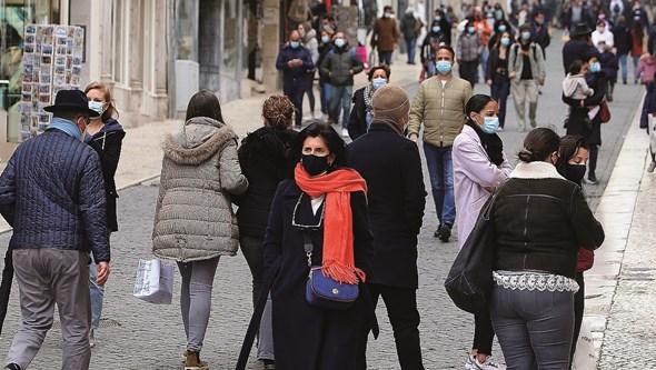 Três mortos e 829 infetados por Covid-19 nas últimas 24 horas em Portugal