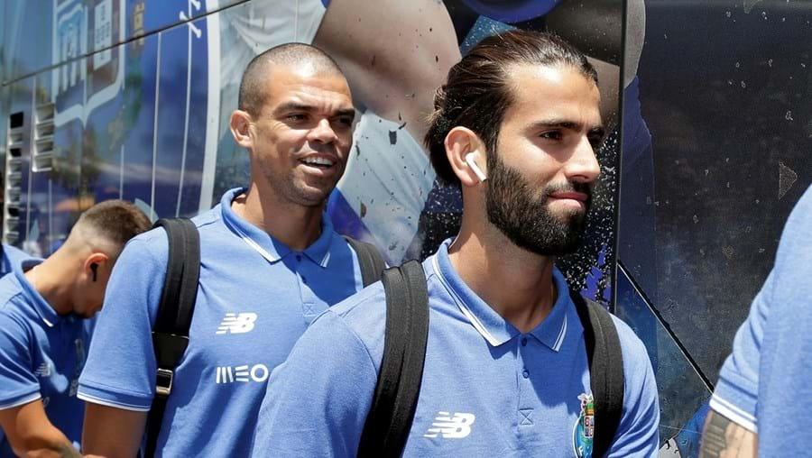 Pepe e Sérgio Oliveira são dois jogadores fundamentais para o treinador do FC Porto, Sérgio Conceição