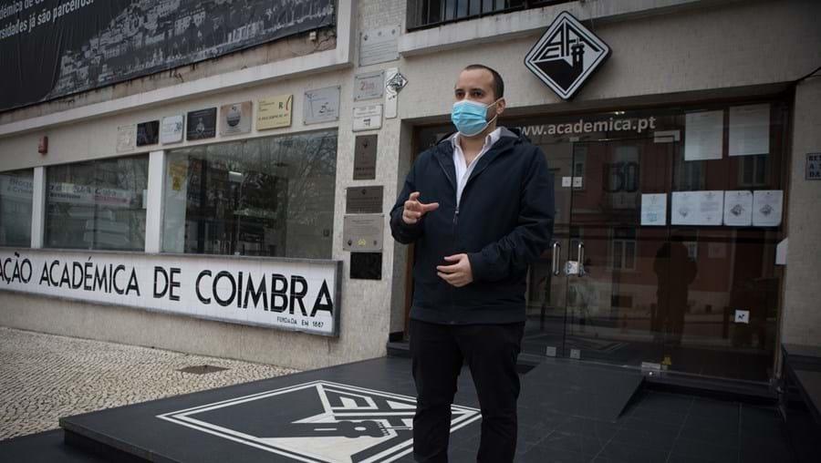 Carlos Lima reclama os pagamentos de 12 carros alegóricos