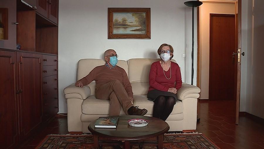 Joaquim Cotovio, 71 anos, e a mulher, Maria Madalena Cotovio, foram infetados pelo novo coronavírus em janeiro.