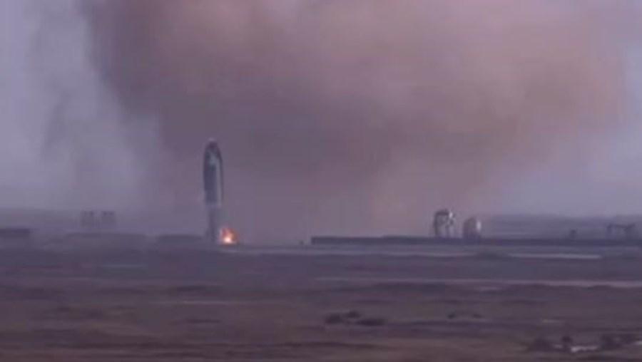 Foguetão da SpaceX explode durante testes nos EUA