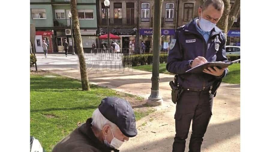 PSP deu apoio a idoso e multou dois homens sem máscara