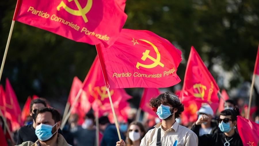 Centenas de militantes comunistas juntaram-se no comício de ontem em Lisboa para comemorar os 100 anos do PCP