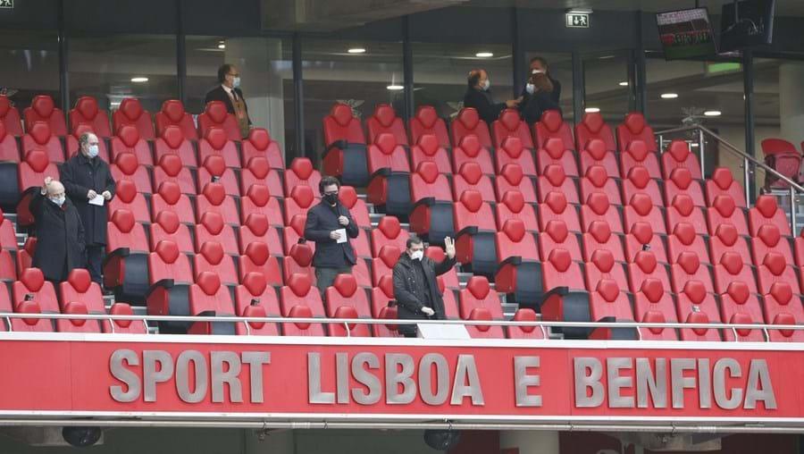 Vista geral das bancadas vazias no Estádio da Luz