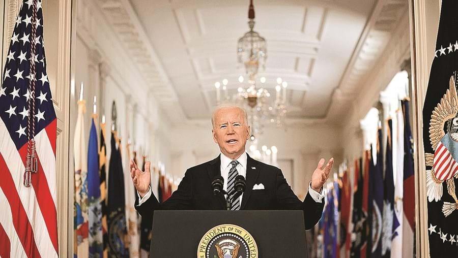 Biden anunciou objetivo ambicioso de combate à doença que já matou mais de 530 mil pessoas nos EUA