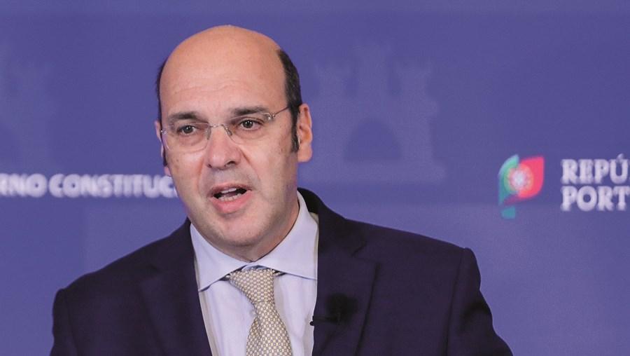 Pedro Siza Vieira apresentou o plano de apoio em conjunto com mais quatro governantes