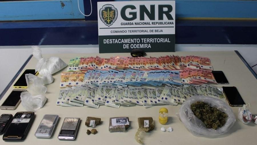 GNR deteve quatro homens em Vila Nova de Milfontes por tráfico de droga