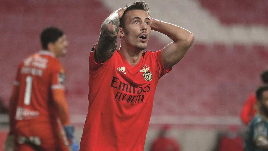 Grimaldo foi o jogador que mais desvalorizou na Liga: teve uma queda de seis milhões de euros