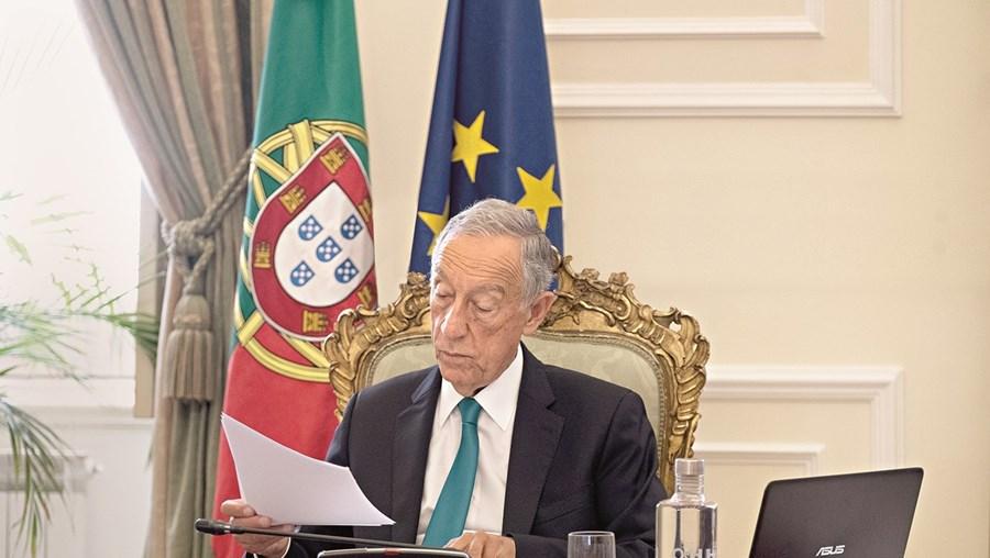 Marcelo Rebelo de Sousa tinha prometido uma decisão sobre os diplomas até esta segunda-feira, após deixar passar prazo para recorrer ao TC