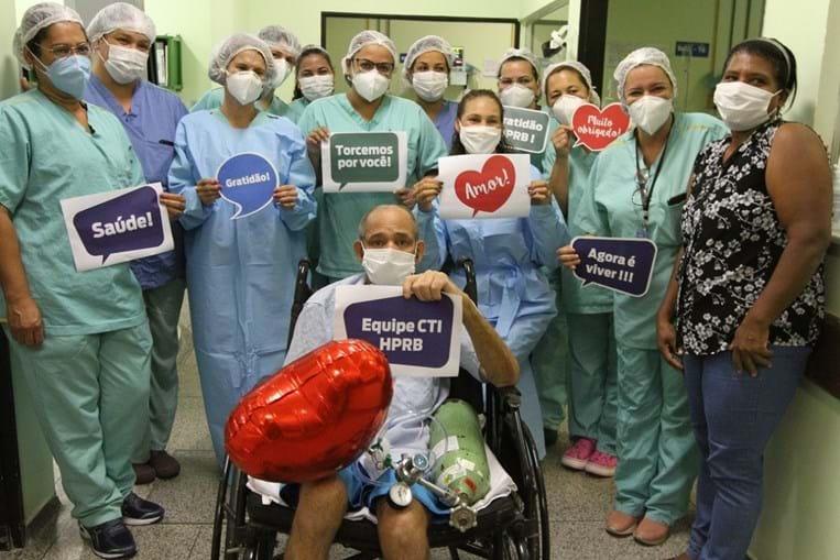 Roberto Moura da Silva teve alta após 377 dias internado no hospital