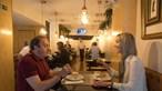 Distância entre clientes nos restaurantes é para ser de dois metros. Conheça as novas regras da DGS para o setor