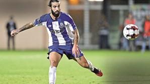 Sérgio Conceição pede esforço extra a Sérgio Oliveira e Corona