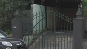 Mulher esfaqueada sete vezes pelo filho adotivo de 25 anos na Madeira
