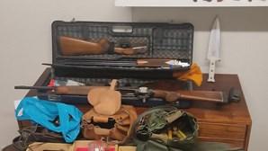 GNR apreende três espingardas e outras armas a suspeito de agredir companheira em Tróia