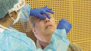 Vacinação de professores e auxiliares contra Covid-19 atrasada uma semana