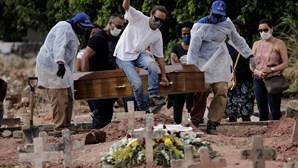Covid-19 matou 4211 pessoas em 24 horas no Brasil