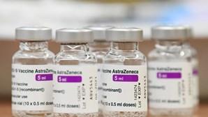 Coágulos sanguíneos assumidos como efeitos secundários da toma da vacina Covid-19 da Astrazeneca