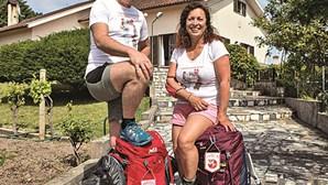 Casal atravessa Portugal a pé para angariar dinheiro para bombeiros de Cantanhede