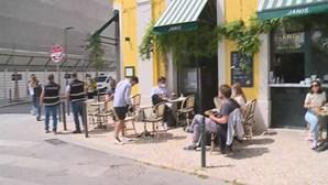 Esplanadas em Lisboa muito concorridas. Autoridades já prometeram apertar fiscalização
