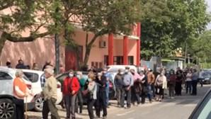 Mais de 100 pessoas em fila de espera para receber vacina contra Covid-19 em Palmela