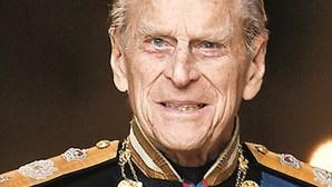 Os últimos dias do príncipe Filipe: Da recusa a usar cadeira de rodas aos momentos vividos com a amada 'Lilibet'