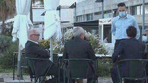 José Sócrates descontrai em esplanada após conhecer decisão de juiz Ivo Rosa. Veja as imagens