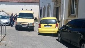 Homem leva 17 anos de prisão por matar mulher com 16 facadas em Carrazeda de Ansiães