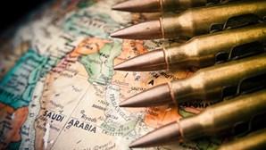 """Três soldados sauditas executados por """"alta traição"""""""