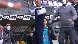 Miguel Cardoso reage de forma polémica ao golo de Coentrão no jogo do Rio Ave com o Boavista