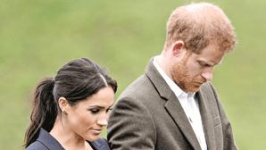 Harry volta ao Reino Unido sem Meghan para o funeral do avô