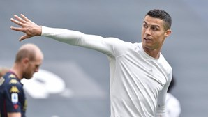 Cristiano Ronaldo atira camisola ao chão após vitória da Juventus. Pirlo garante que não haverá multa
