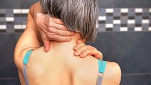 Dores nas articulações ou perda de apetite? Os sintomas que deve ter em atenção após ter Covid-19