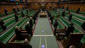 Câmara dos Comuns do Reino Unido faz minuto de silêncio em homenagem ao príncipe Filipe