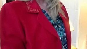 Mulher encontra bilhete arrepiante escondido em casaco à venda em loja solidária