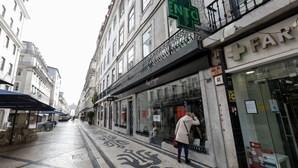 Maioria dos portugueses teme que País volte a fechar
