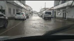 Chuva intensa e trovoada provocam inundações em Évora