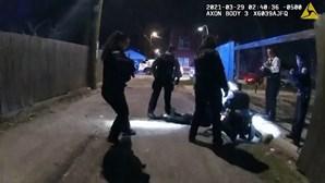 Divulgado vídeo de rapaz de 13 anos a ser morto a tiro pela polícia nos EUA