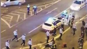 Choque entre mota e carro mata estafeta e acaba em confronto em Lisboa