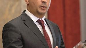 Governo criticado por elevada carga fiscal no Programa de Estabilidade
